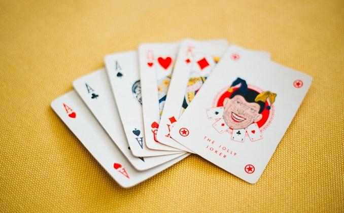 Nei circoli ricreativi ritorna il gioco delle carte